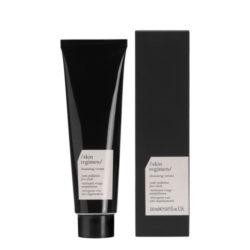Crema schiumogena con tensioattivi delicati e Longevity Complex™. Protegge la pelle dagli effetti dell'inquinamento*.